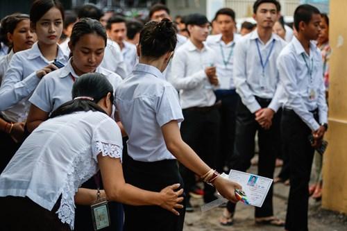 Cải cách giáo dục ngoạn mục của Campuchia bắt đầu từ thi thật