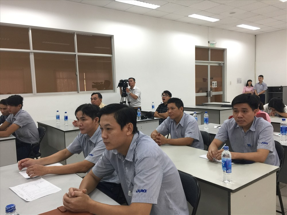 Mở lớp nâng cao tay nghề miễn phí cho công nhân tại nhà máy